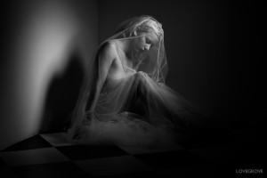 Fallen-Angel by Damien Lovegrove